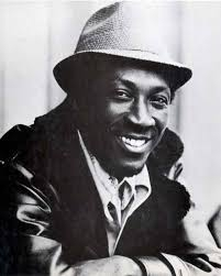 "El término rocksteady viene de una forma de baile que es mencionada en la canción de Alton Ellis""Rock Steady"". ""Just shake your head, rock your bodyline - alton-ellis1"