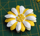 Как сделать цветы из бумаги на открытку