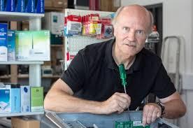 Foto: Malte Glotz Hermann Lemmer schraubt seit 25 Jahren Computer für seine Kunden zusammen. Sein Computerstudio feiert am Donnerstag Jubiläum - es hat ... - computerstudio-lemmer-25-jahre