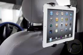 Risultati immagini per supporto ipad auto