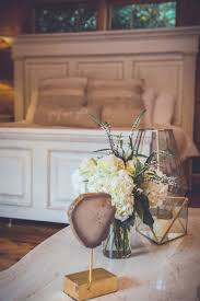 <b>Flower Vase Table</b> Free Stock Photo - NegativeSpace