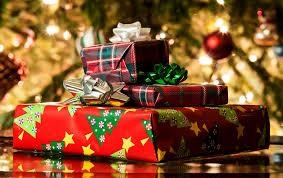 Kuvahaun tulos haulle joulukuusi ja lahjoja