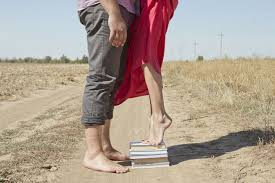 Why So Many <b>Women</b> Prefer to Be with <b>Tall Men</b> | Psychology Today