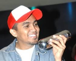Versatile singer Glenn Fredly said some comments implying that Bali was ... - Glenn%2520Fredly_1.main%2520story