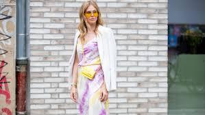 Streetstyle: как носить <b>принт tie</b>-dye | Vogue Ukraine - Vogue UA