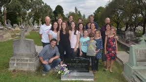family honours memory of boxer after years in unmarked grave maree willis zac sam and anthony kavanagh marianne jason emily
