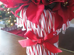 cheap christmas decor: craft a candy cane vase  diy christmas candy vase sl