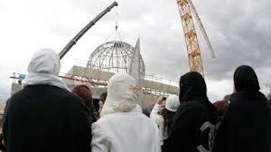 ايطاليا - مسلمون يحتجون على إغلاق مساجد في روما