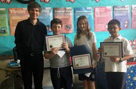heritage essay contest winners gardenview elementary school l to r quebec heritage news editor rod macleod and 2016 essay contest winners griffin o neil sydney levitt and cheng all from nina wong s grade 6
