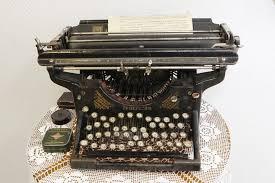 """Пишущая машинка """"Ундервуд"""", США, 1912 год. В 1890 году ..."""
