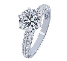 Невероятно привлекательное <b>золотое кольцо</b> с бриллиантами ...