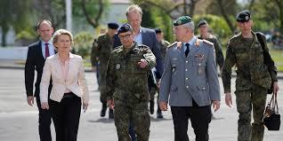 المانيا - حملة تفتيش على ثكنات عسكرية بعد العثور على تذكارات نازية