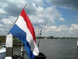Afbeeldingsresultaat voor wapperende nederlandse vlag