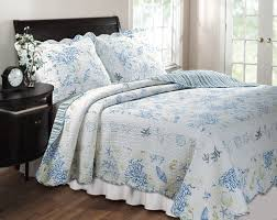 bedroom quilts