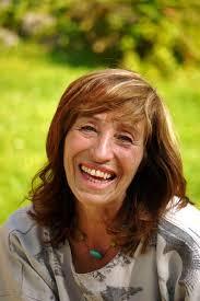 Die Autorin und Wildnislehrerin <b>Susanne Fischer-Rizzi</b> - image_wide_hires