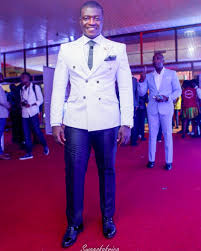 here s the perfect man s guide to finding a suit that fits and vgma men s fashion 19