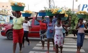 Resultado de imagen para fotos de calles espana de santiago llenas de haitianos