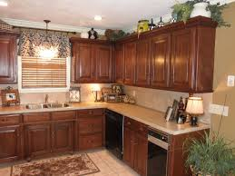 kitchen moldings: stunning kitchen cabinet molding ideas crown moulding kitchen cabinets galley kitchen crown moulding