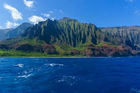 instagrammers you should know explore hawaii champ cameron the na pali coast on the island of kauai is one of the most beautiful coastlines i ve ever seen if ing in the early morning pods of spinner dolphins