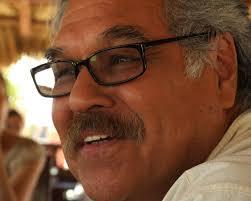 Foto de Luis Valdez - Padre del Teatro Campesino - Entrevista-Luis-Valdez-El-Teatro-Campesino-Foto