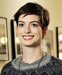 'Saturday Night Live': Anne Hathaway does 'Homeland' and Kat. - anne-hathaway-saturday-night-live-nov-10