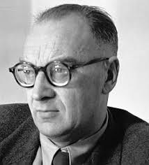 Igor Abramow-Newerly urodził się 24 marca 1903 w Białowieży, w rodzinie oficera armii rosyjskiej. Jego dziadek był carskim łowczym w Puszczy Białowieskiej. - Newerly2