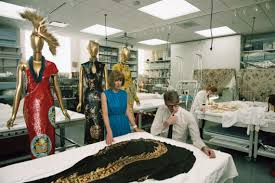 wintour and andrew bolton in a conservation room at the mets costume center photographed by annie leibovitz on april 23 photo annie leibovitz anna wintour office google