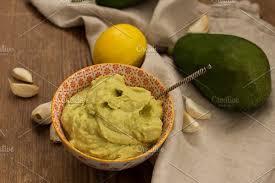 <b>Avocado</b> sauce in <b>small</b> bowl with etnic <b>pattern</b> | High-Quality Food ...