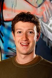 Mark Zuckerberg, Eduraro Saverin, Dustin Moskovitz,. zijn op het idee gekomen om via Internet een Social Media site te maken. - Mark_Zuckerberg