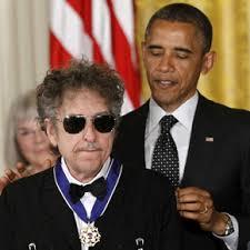 Resultado de imagem para bob dylan  Medalha Presidencial da Liberdade pelo presidente dos Estados Unidos Barack Obama