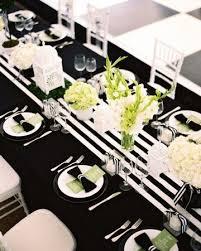 Runner Tavolo Giallo : Apparecchiare la tavola in bianco e nero idee a cui ispirarsi