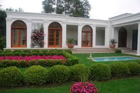 Front of House Flower Garden Design Ideas   Home Decorating IdeasFront of House Flower Garden Design Ideas