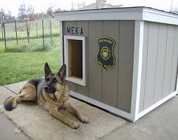 How to build a dog house  dog house under deck build indoor dog    Large Dog House Plans Extra Large Dog House Plans