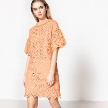 <b>Платье прямое</b> с оригинальной английской вышивкой светло ...