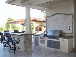 kitchen floor tiles small space: mini backyard outdoor kitchen ideas for small space grey tiles kitchen flooring cream backsplash mini