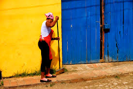 daily life in a photographic essay authentic traveling n w cleans the streets in trinidad daily life in