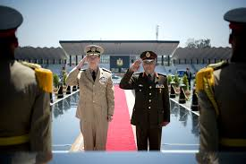 u s department of defense photo essay u s navy adm mike mullen left chairman of the joint chiefs of staff ian