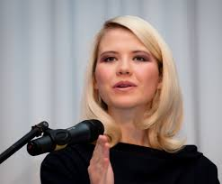 BYU alumna and activist Elizabeth Smart will speak in the de Jong theater at 7:15 p.m. on March 5. Photo courtesy Women's Services and Resources Office. - Elizabeth-Smart-Speaking-2