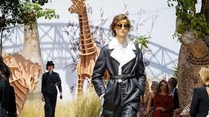 Christian Dior   Haute Couture Fall <b>Winter 2017</b>/2018 Full Show ...