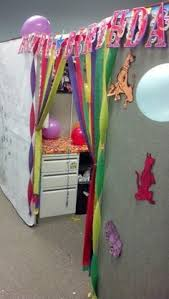 birthdaycubicledecoratingideas how to decorate a coworkers cubicle for her birthday office decorations