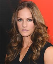 Kelly Overton Long Wavy Hairstyle Kelly Overton Long Wavy Hairstyle - side view 1 - Kelly-Overton