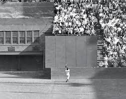greatest sports photos of all time com world series sept 29 1954 a 12 time gold glove winner