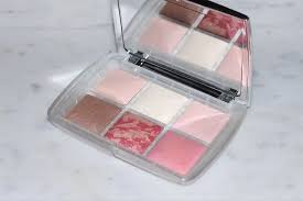 <b>Hourglass Holiday</b> 2019 - Ambient <b>Lighting</b> Blush Quad & <b>Scattered</b> ...