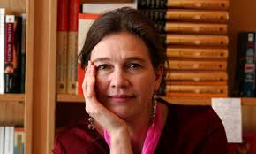 Louise Erdrich, yet another woman who can teach us a thing or two about style, beauty, and grace. - Louise-Erdrichs-The-Round-010