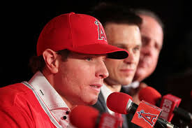 Mike Scioscia Josh Hamilton #32 of the Los Angeles Angels of Anaheim aswers questions from. Los Angeles Angels of Anaheim Introduce Josh Hamilton - Mike%2BScioscia%2BLos%2BAngeles%2BAngels%2BAnaheim%2BIntroduce%2BXQQU-VSW4Aol