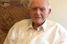 Hugh Lloyd Jones, 100, who switched on Llanfairfechan Christmas lights. A centenarian who first switched on electricity in Llanfairfechan 84 years ago ... - zz271113HughLloyd