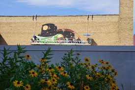 photo essay a frog and a black cat the milwaukee independent 072116 orientalmural 0155