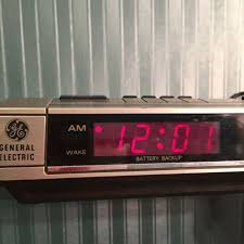 Vintage GE General Electric AM/FM Digital Alarm Clock Radio Red ...
