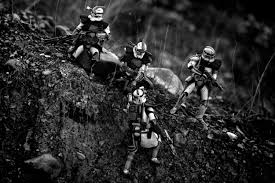 us marine creates amazing combat scenes star wars action figures star wars galactic warriors matthew callahan