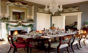 Holiday Dining Room Decorating Christmas Decorations For Dining Room Table Christmas Dining Room